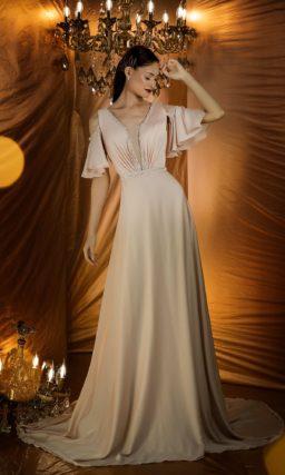 Нежное вечернее платье оттенка пудры