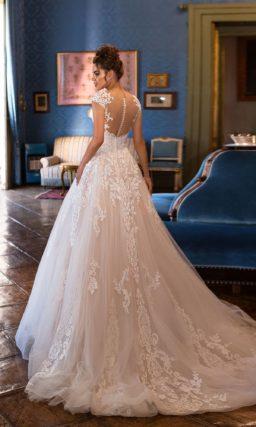 Изумительное свадебное платье пудрового оттенка