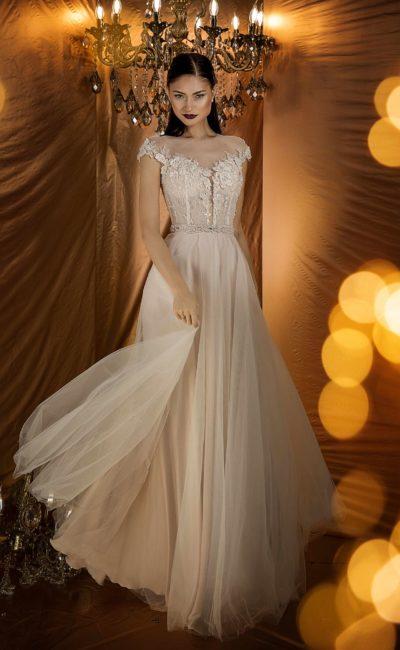 вечернее платье с пудровым оттенком