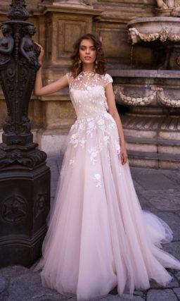 Восхитительное свадебное платье в лиловом оттенке