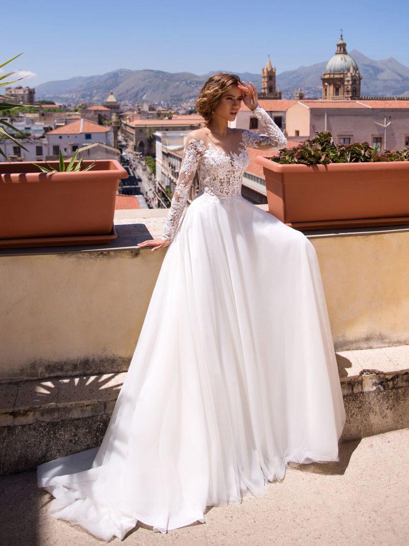 Романтическое свадебное платье с длинным рукавом