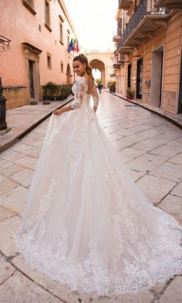 Платье с ажурным верхом
