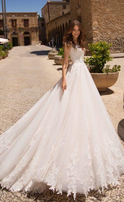Небанальное свадебное платье-трансформер