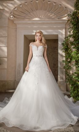 Аристократическое свадебное платье