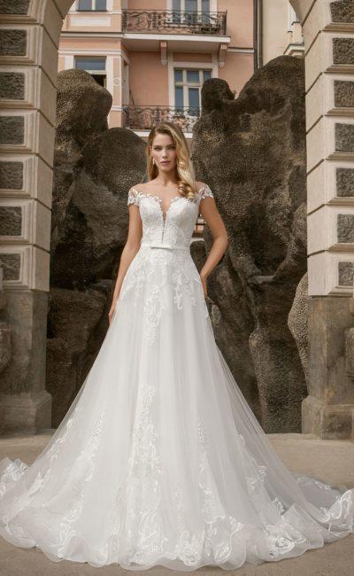 свадебное платье с имитацией открытого верха