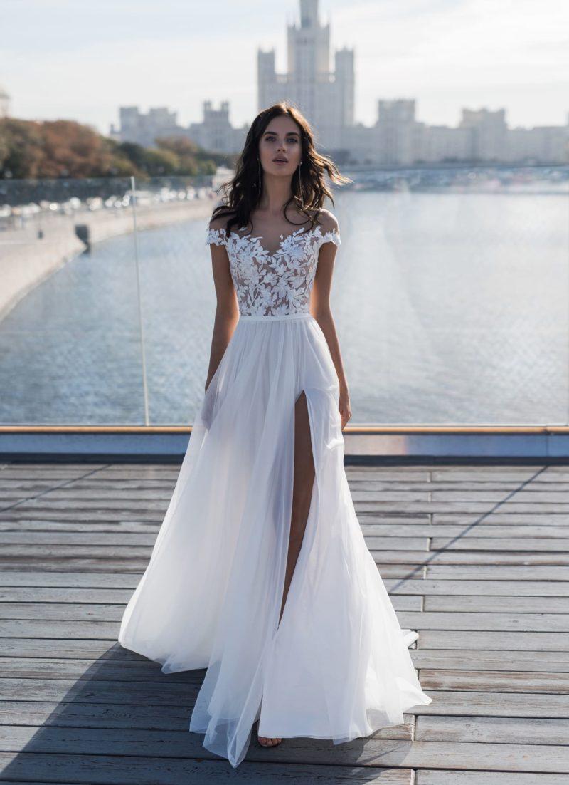 Очаровательное летнее свадебное платье
