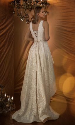 Вечернее платье оттенка «шампань»