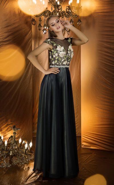 Красивое вечернее платье черного цвета