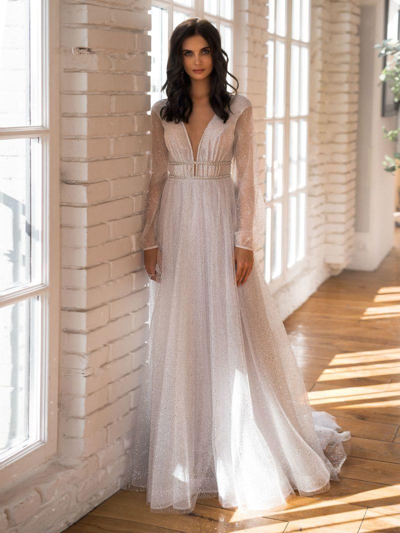 свадебное платье с длинным объемным рукавом