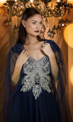 Вечернее платье насыщенного синего оттенка