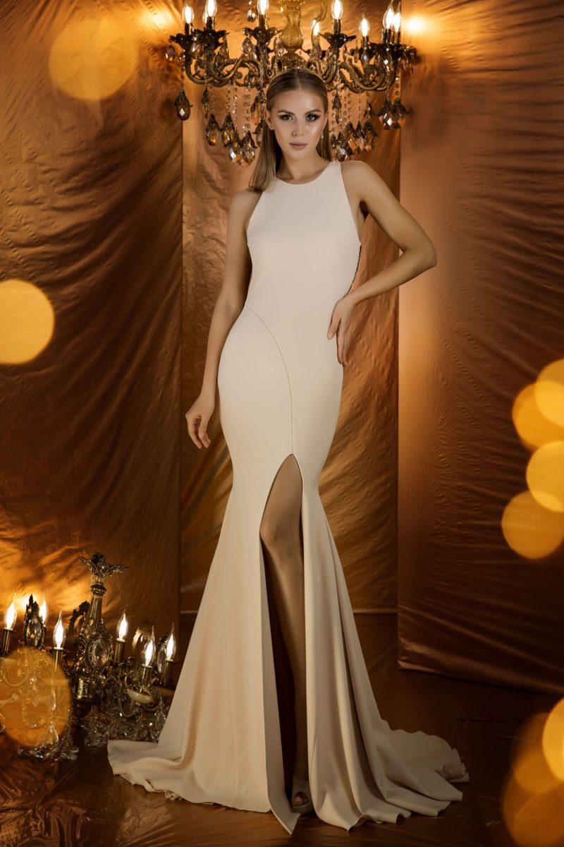 Изящное вечернее платье с силуэтом «русалка»