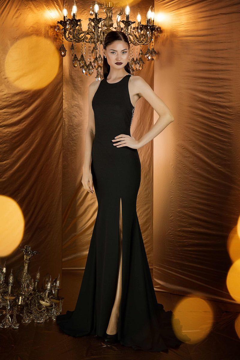 Эффектное черное вечернее платье с силуэтом «русалка»