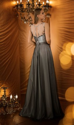 Серебристо-серое вечернее платье с декольте
