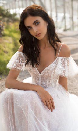 свадебное платье с кокетливо открытыми плечиками