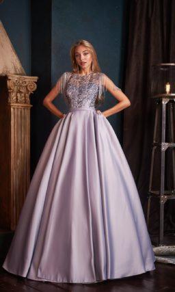 Сиреневое пышное платье