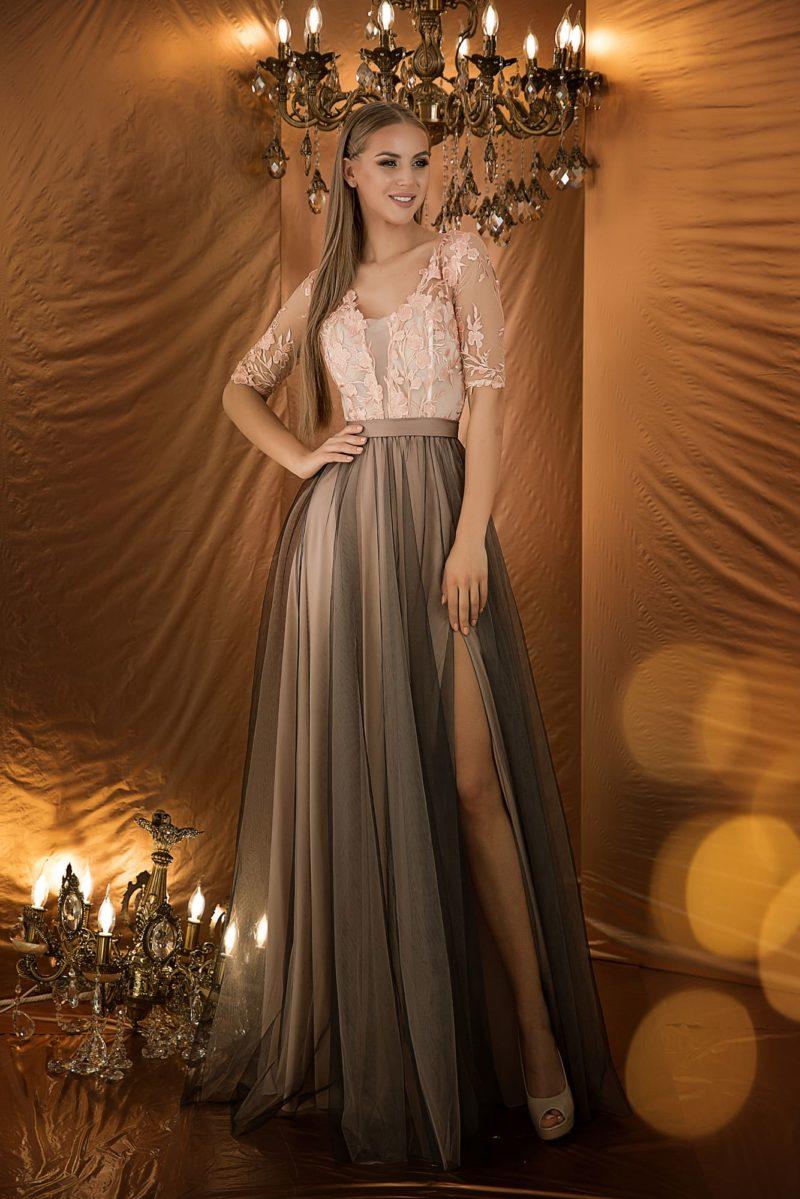 Сказочное вечернее платье с приталенным силуэтом