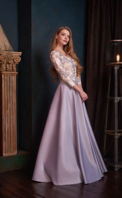 Сиреневое платье с рукавом