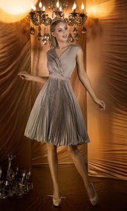 Коктейльное платье цвета кофе