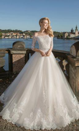свадебное платье с прелестным кружевным корсетом