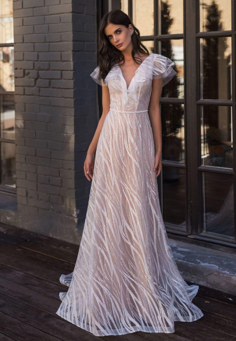Нежное свадебное платье модного пудрового оттенка