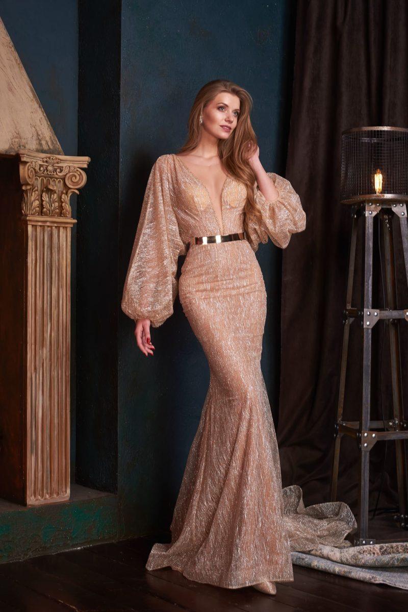 Эффектное длинное вечернее платье с открытой спиной