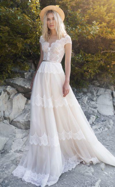 свадебное платье с ажурным корсетом
