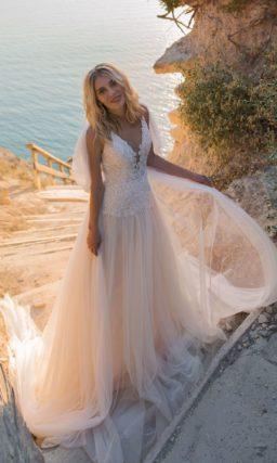 Воздушное свадебное платье с кружевным корсетом