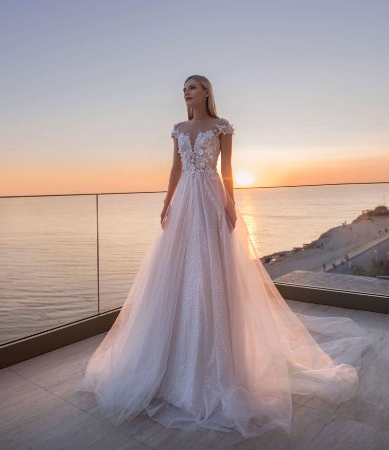 Романтическое свадебное платье для пышной церемонии