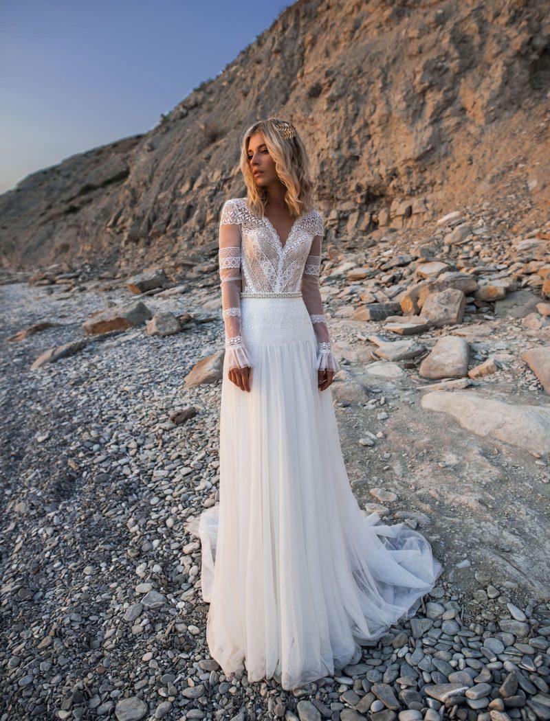 Свадебное платье с ажурным верхом в бохо стиле