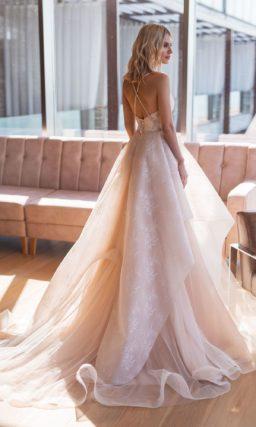 Необычное пышное платье