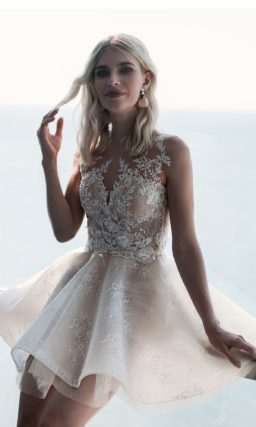 Короткое красивое свадебное платье