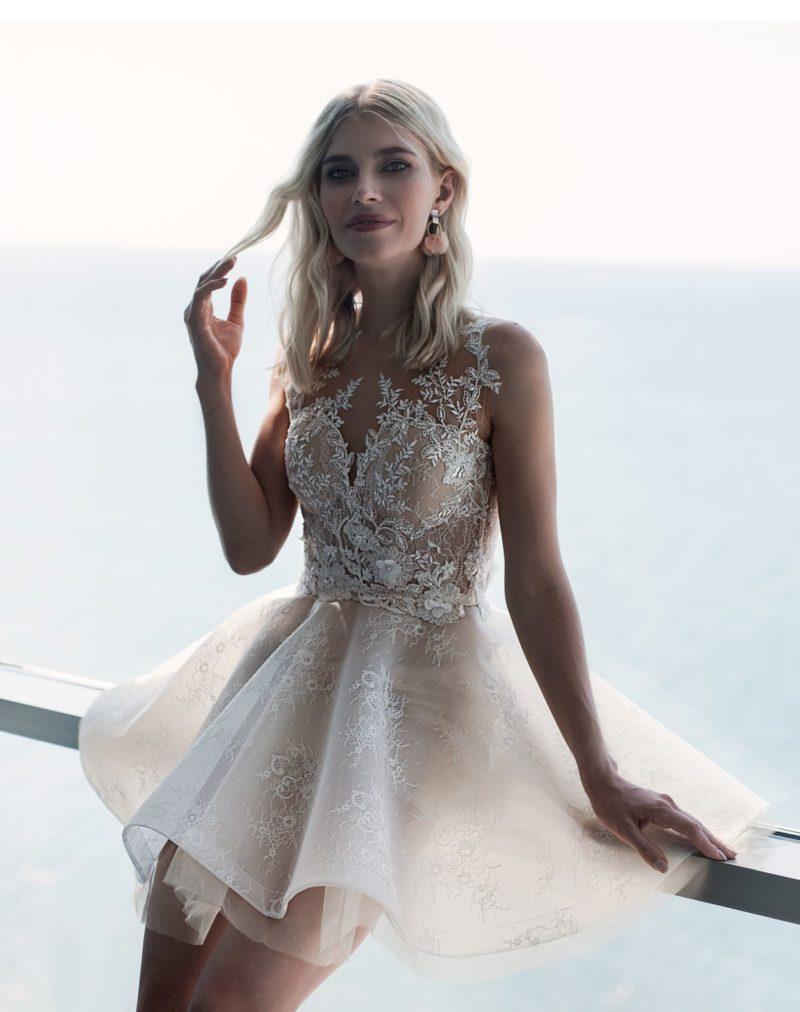 Короткое свадебное платье для молоденьких невест