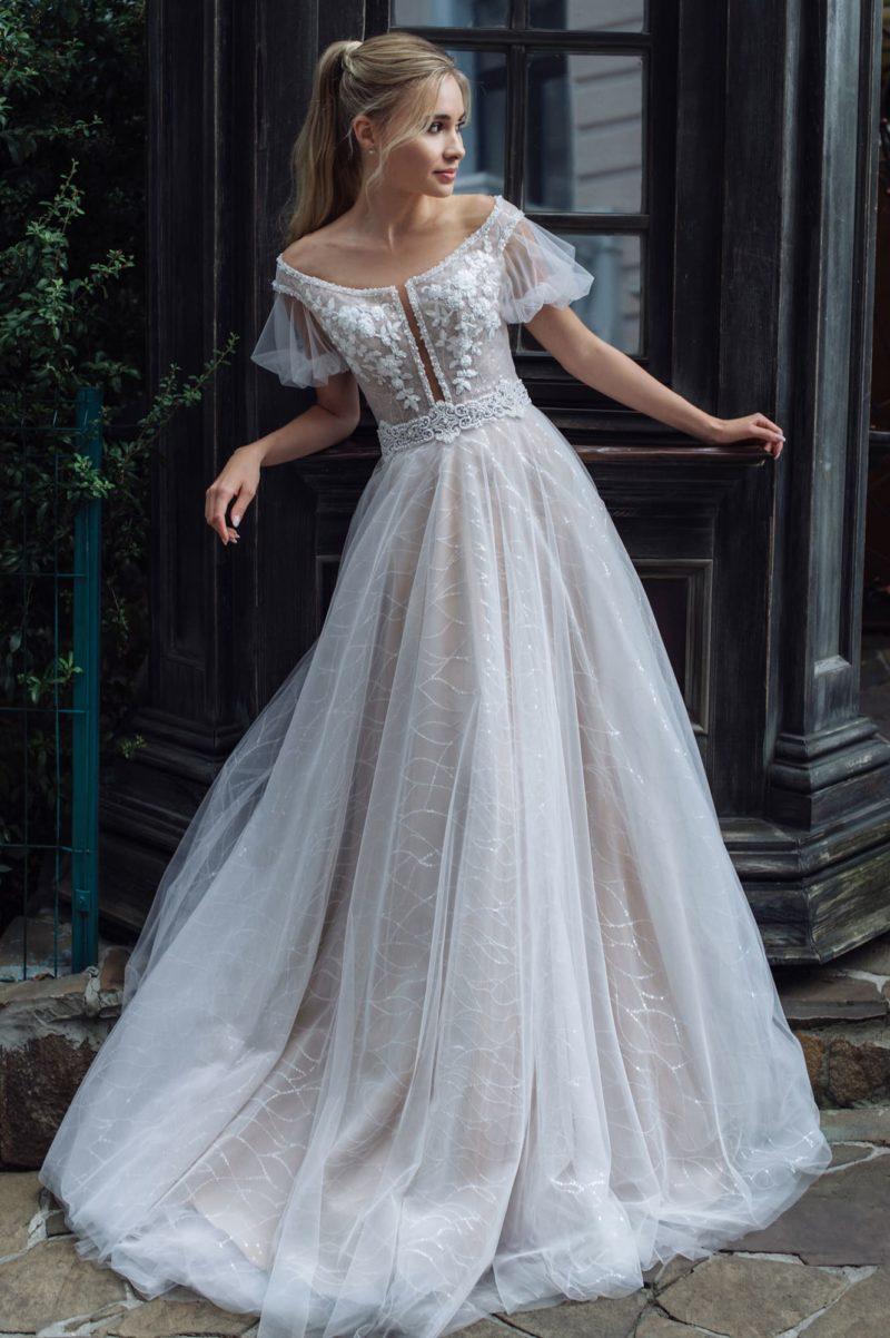 Платье классического А-силуэта