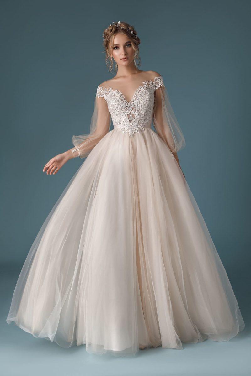 Изысканное платье нежного пудрового оттенка