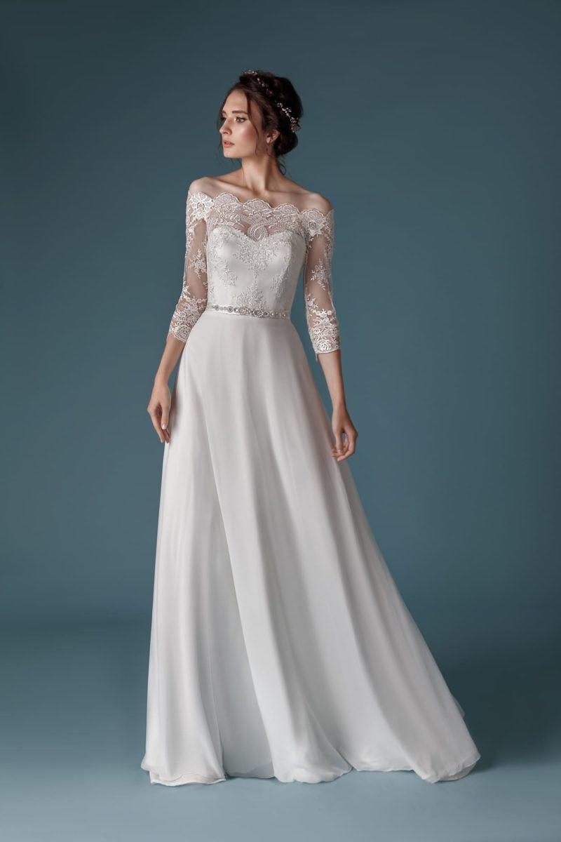 приталенное платье с лаконичным кроем