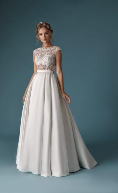 Платье с гладкой юбкой из атласа