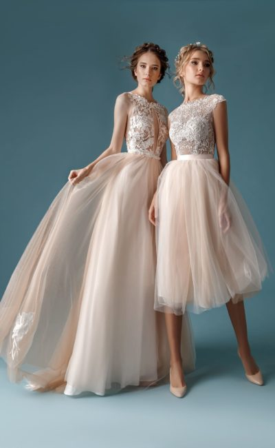 Короткое бежевое свадебное платье