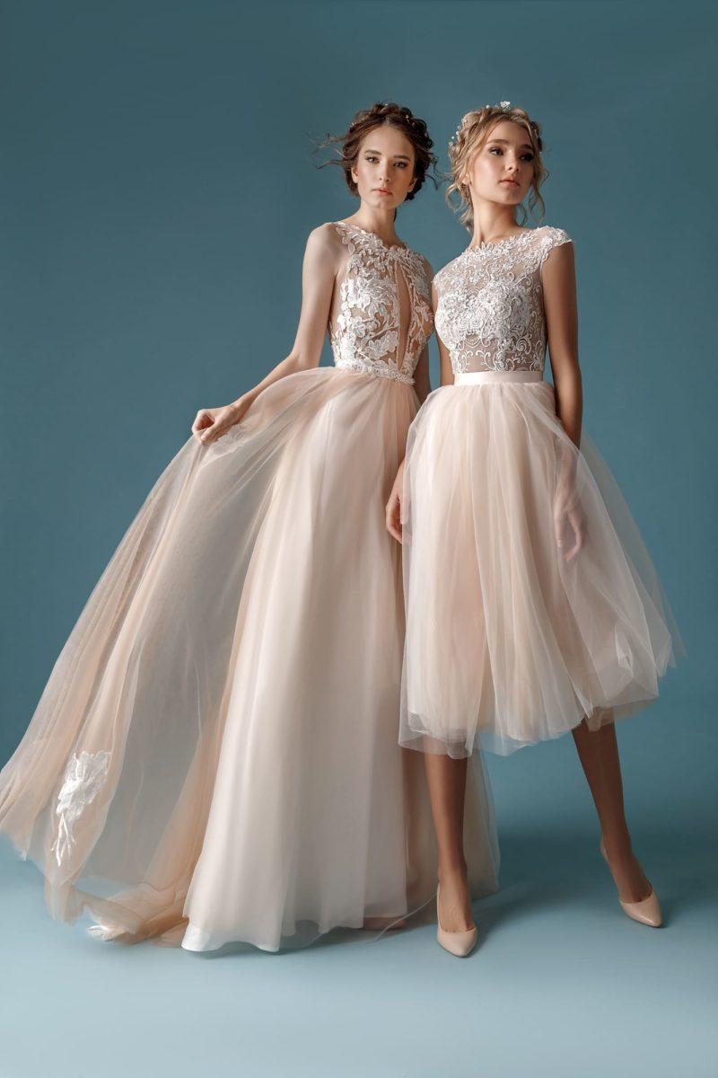 Укороченное свадебное платье с пышной юбкой
