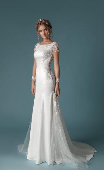 Платье из гладкого белого атласа