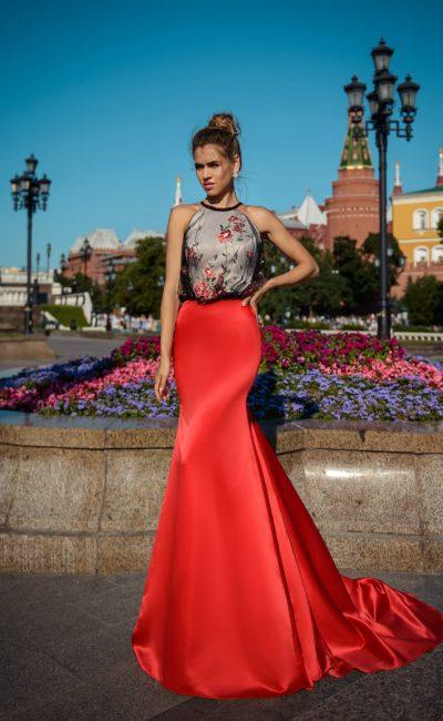 Вечернее платье с красной юбкой