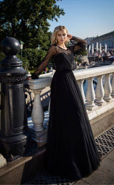 Черное вечернее платье в пол с рукавом