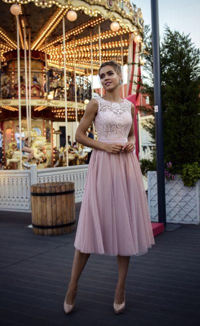 Короткое розовое платье на выпускной