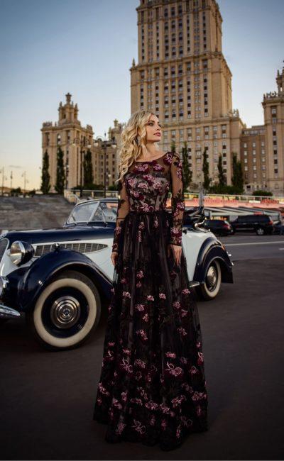Темное вечернее платье в пол