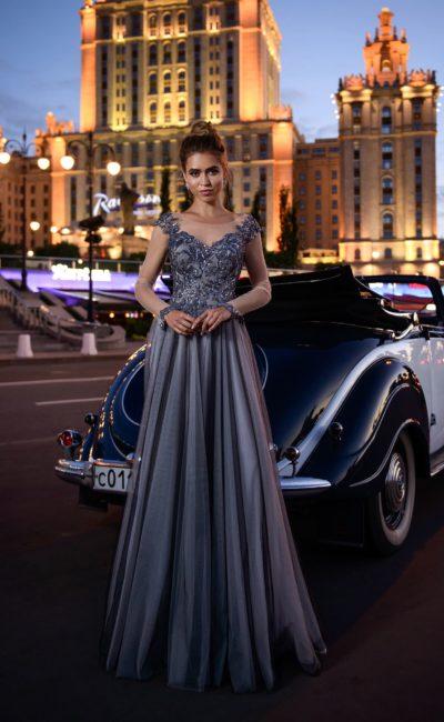Платье в пол с прозрачными рукавами
