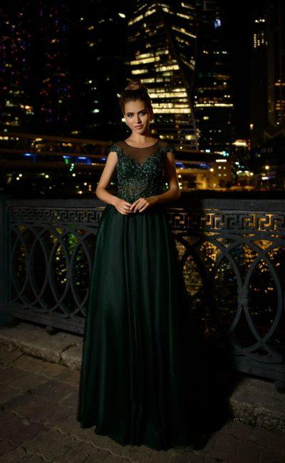 вечернее платье насыщенного темно-зеленого оттенка