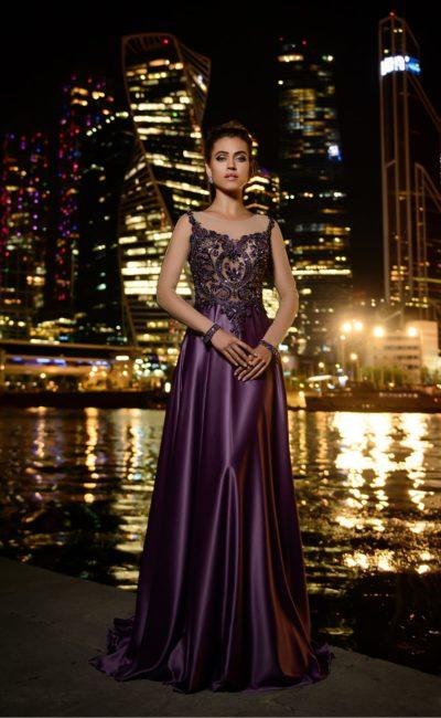 Фиалковое вечернее платье с закрытым верхом