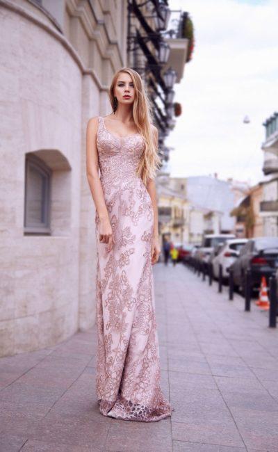 Красивое розовое вечернее платье