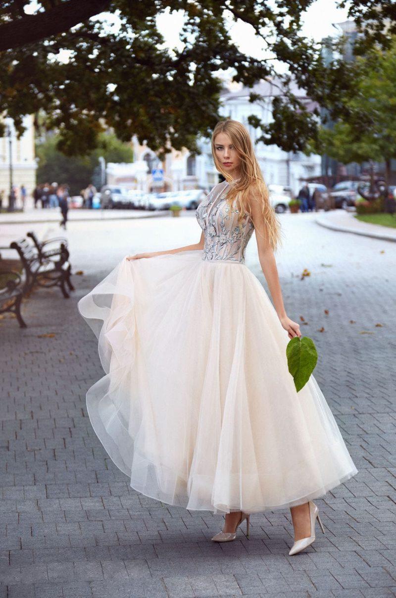Воздушное и изящное вечернее платье с пышной юбкой