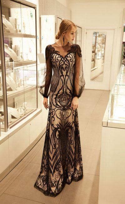 Черное платье с узором