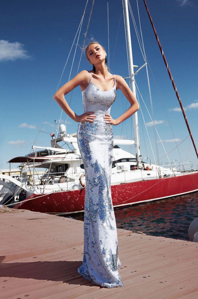 платье расшитое мелкими серебристо-голубыми пайетками